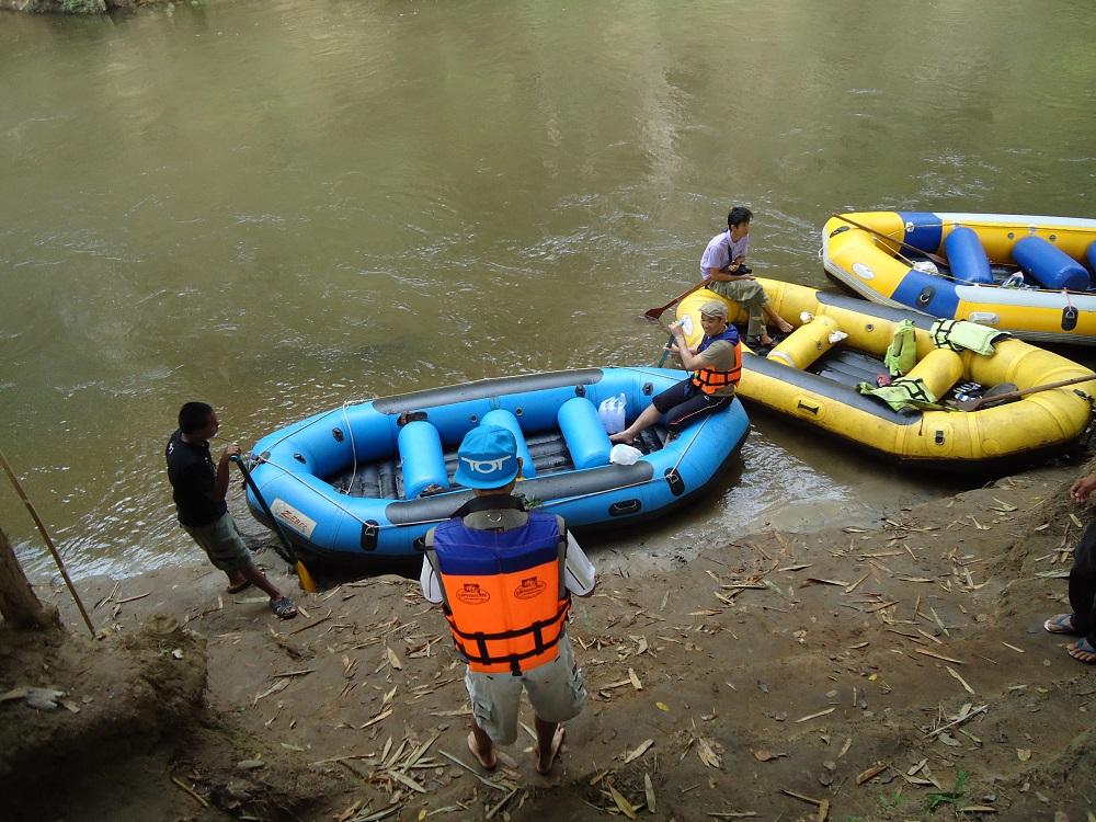 raften op mae klong rivier